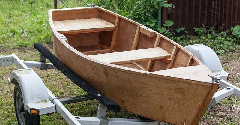Обшивка лодки фанерой
